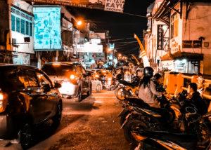 Il traffico attorno a Semawis Market